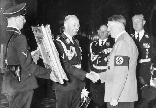 17 janvier 2018 :  Éditer Hitler, Éditer Himmler